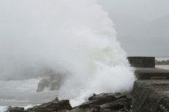 削弱台风Noru带来暴雨,边缘接近日本的中心地带